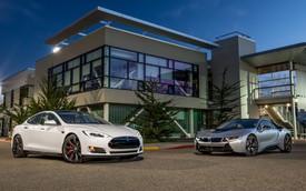 Tesla Model S và BMW I8 mới về Việt Nam, xe nào lợi hại hơn?