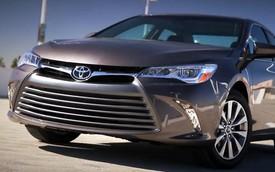 Toyota Camry 2015: Ngoại thất cứng cáp, nội thất tiện nghi