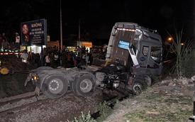 Tàu hỏa tông đứt đôi xe đầu kéo, đường sắt Biên Hòa tê liệt