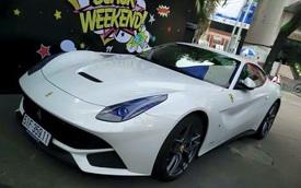 Ferrari F12 Berlinetta của thiếu gia Phan Thành khoe tiếng pô trên phố