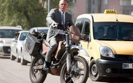 Những cảnh truy đuổi mô tô phân khối lớn ấn tượng trên phim