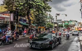 Hàng cực độc Audi R8 V10 Spyder 2014 dạo phố Sài Thành