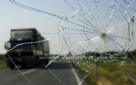 Nứt kính lái: Những điều nên và không nên làm