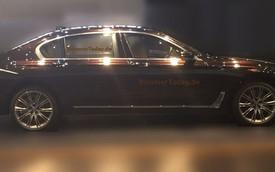 """Xe sang BMW 7-Series lộ diện với hình ảnh """"long lanh"""""""