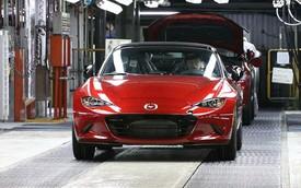 Giá chi tiết của xe mui trần bán chạy nhất Mazda MX-5 2016