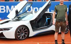 """Tay vợt Andy Murray được tặng xe sang BMW i8 """"đập hộp"""""""