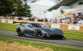 """Nghe tiếng pô """"sởn da gà"""" của siêu xe Aston Martin Vulcan 2,3 triệu USD"""