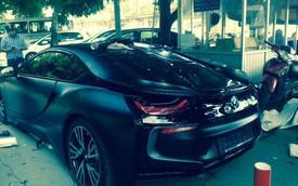 BMW i8 trắng mới về Hà Nội đổi sang màu đen hầm hố hơn