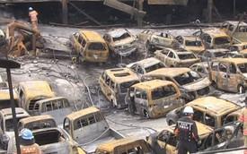 Cháy đại lý xe hơi, hơn 500 ô tô thành phế thải