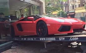 Xem cảnh chuyển Lamborghini Aventador Roadster lên xe cứu hộ tại Hà Nội