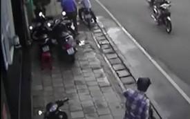 Sài Gòn: Xe SH bị kẻ gian ăn trộm ngay sau lưng 2 bảo vệ