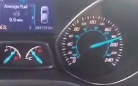 Bị bắt vì đăng video lái ô tô ở vận tốc 185 km/h lên mạng