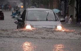 Mẹo lái xe an toàn khi trời mưa lớn