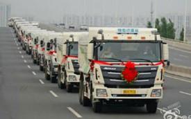 Chú rể gây choáng khi đón dâu bằng dàn 36 xe tải