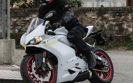 Ducati 959 Panigale lộ diện trần trụi, thiết kế giống 1299 Panigale