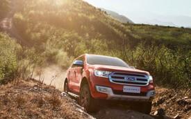 Ford Everest thế hệ mới có cả phiên bản máy xăng