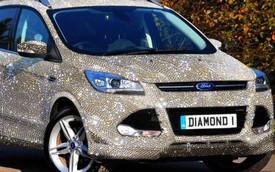 Phủ kim cương toàn thân, ôtô bình dân biến thành xe triệu đô