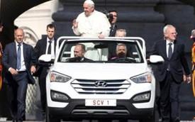 Hyundai Santa Fe mui trần độc nhất vô nhị dành cho Giáo hoàng