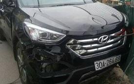 Hà Nội: Hyundai Santa Fe đâm taxi và 2 xe máy, 2 người thương nặng