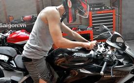 """Johnny Trí Nguyễn """"thay áo"""" cho mô tô Ducati 899 Panigale mới tậu"""
