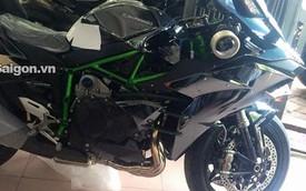 Cận cảnh siêu mô tô tiền tỷ Kawasaki Ninja H2 tại Sài Gòn