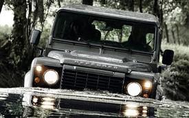 """Chưa hết """"hot"""", Land Rover Defender được kéo dài sản xuất"""