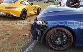 """Hãng Mercedes-Benz """"muối mặt"""" vì tai nạn trong sự kiện quảng bá xe"""