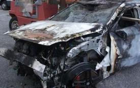 """Mercedes-Benz A45 AMG """"đồng nát"""" có giá bằng ô tô mới"""
