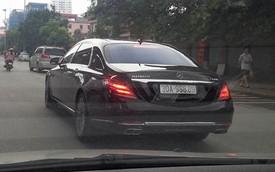 """Xe siêu sang Mercedes-Maybach S600 đeo biển """"khủng"""" tại Hà Nội"""