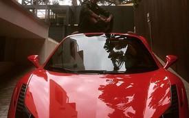 Danh thủ Neymar tậu siêu xe Ferrari 458 Spider đỏ rực