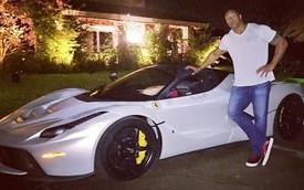 Ngôi sao hành động The Rock không ngồi vừa Ferrari LaFerrari