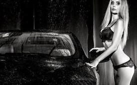 Người đẹp Nga đa phong cách bên cặp đôi xe sang