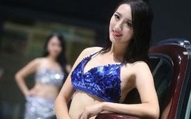 Người mẫu vẫn tràn ngập tại các triển lãm ô tô Trung Quốc