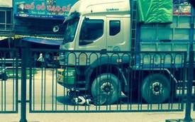 Ô tô tải cuốn xe máy vào gầm, một phụ nữ chết thảm