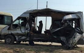 Nóng trong ngày: Hai xe khách đâm nhau, ít nhất 5 người tử vong