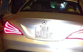 Hà Nội: Mercedes-Benz CLA200 gây tai nạn rồi bỏ chạy