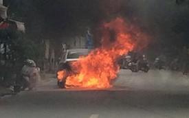 """Nóng trong ngày: Hyundai Sonata cháy """"đùng đùng"""", lan sang cả Honda Lead"""