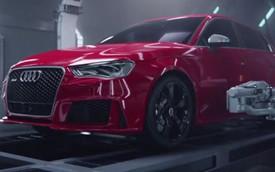 """Quảng cáo gây tranh cãi của Audi: Siêu xe R8 """"hạ sinh"""" RS3 Sportback"""