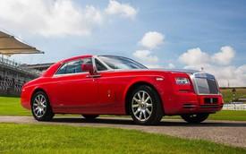 Rolls-Royce Phantom Coupe phiên bản đỏ rực chào năm mới