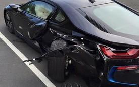 """BMW i8 màu xám bút chì vừa về tay chủ đã bị """"trọng thương"""""""
