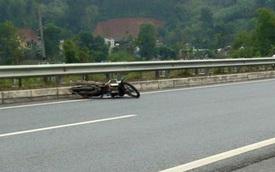 """Đôi nam nữ đi """"phượt"""" bị tai nạn trên cao tốc Nội Bài - Lào Cai"""