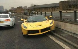 """Ferrari LaFerrari gặp nạn tại """"thủ đô siêu xe"""" London"""