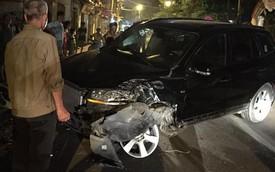 Hà Nội: Đâm Piaggio Liberty, Hyundai Santa Fe nổ lốp trước