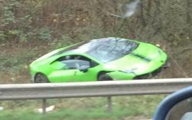 Dân chơi phá Lamborghini Huracan đi thuê trong tai nạn hậu Giáng sinh