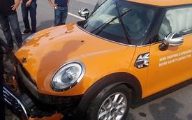 Tham gia trải nghiệm MINI tại Hà Nội, một khách hàng gây tai nạn