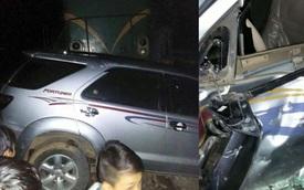 """Phú Thọ: """"Chết máy"""" giữa đường ray, Toyota Fortuner bị tàu hỏa đâm"""