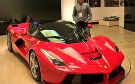 Tay golf nổi tiếng tậu liền tay hai siêu xe Ferrari