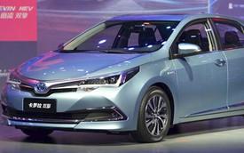 """Toyota Corolla Altis phiên bản """"ngốn"""" 4,9 lít/100 km ra mắt"""