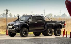 Toyota Hilux biến thành xe bán tải 6 bánh độc đáo