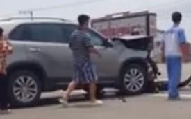 Va chạm giao thông, hai tài xế ô tô ẩu đả như côn đồ